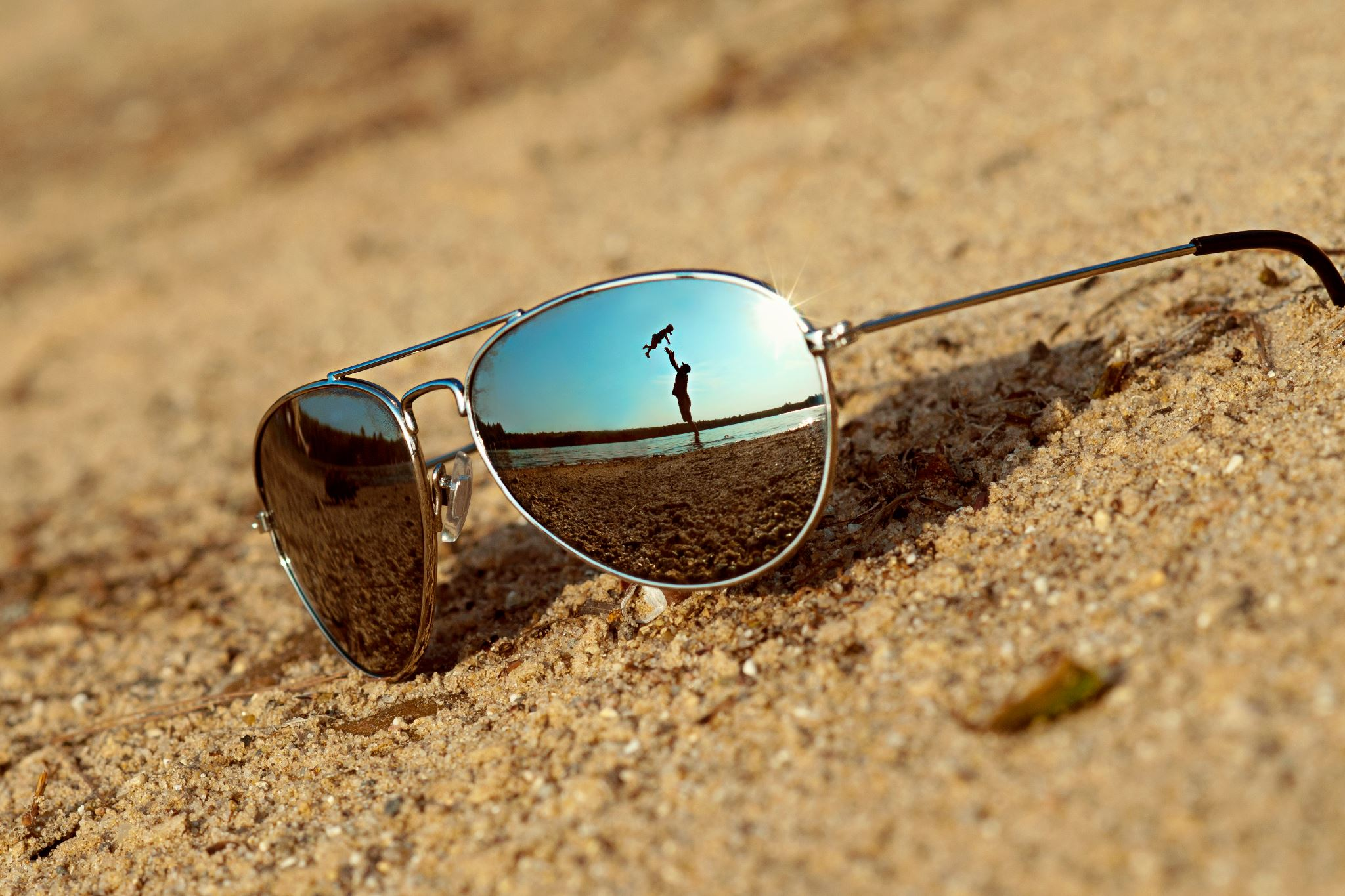 Summer Tips For Contact Lens Wearers Swimming With Contacts